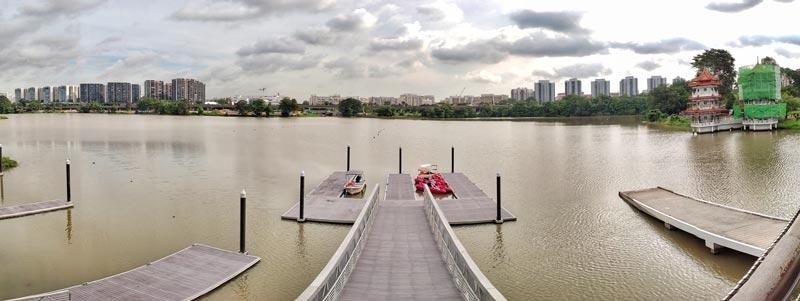 jurong lake passion wave pontoon